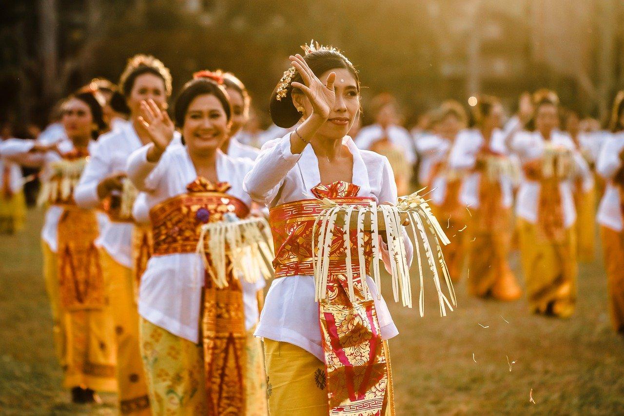 dance, balinese, traditional-4271941.jpg