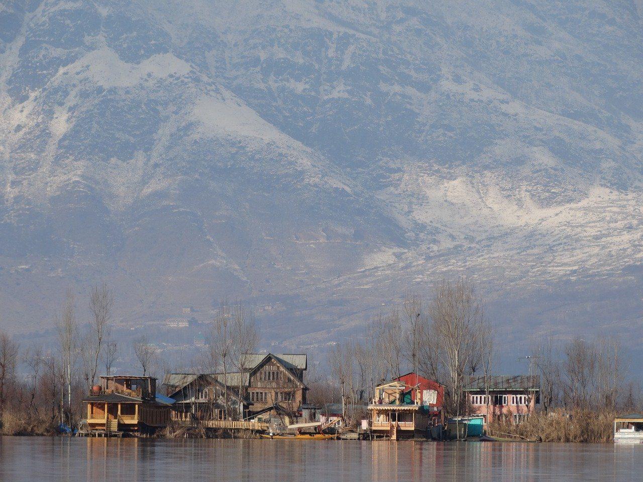 srinagar, mountain, snow-4099009.jpg